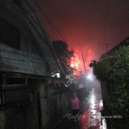 20151231-IMG_3310-fireworks-new-year-s-days-philippines-cavite-imus