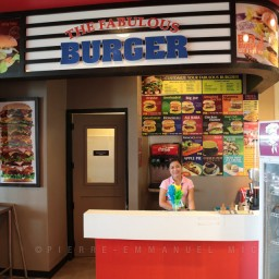 20130713-010-9B5A1718-burger-restaurant-customers-cooking-beef-angus-mall-gaisano