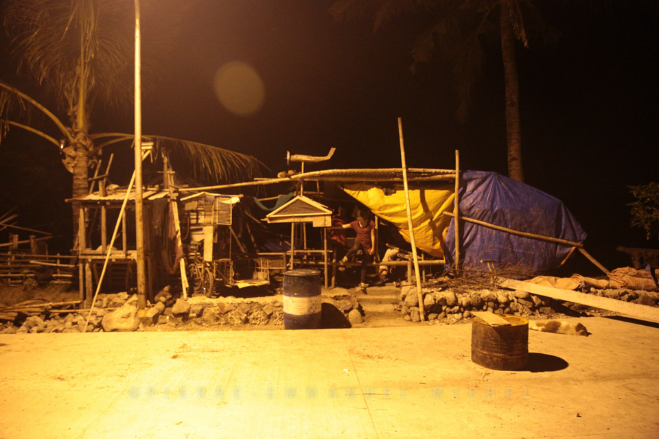 20130709-012-9B5A1313-silay-beach-by-night-fishermen-artists-restaurants