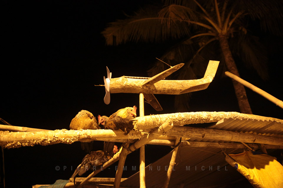 20130709-013-9B5A1279-silay-beach-by-night-fishermen-artists-restaurants